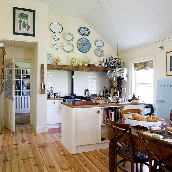 Cream-and-Oak-Floor-Country-Kitchen-Diner-25-Beautiful-Homes-Housetohome