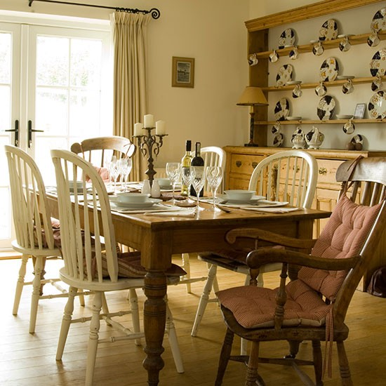 Cream-and-Oak-Wood-Country-Dining-Room-25-Beautiful-Homes-Housetohome