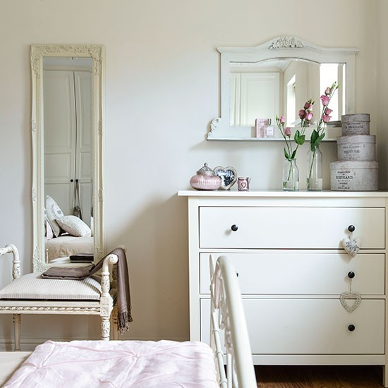 Cream-Bedroom-Style-At-Home-Housetohome