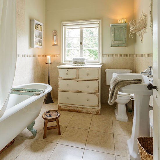 Cream-Shabby-Chic-Bathroom-Style-At-Home-Housetohome