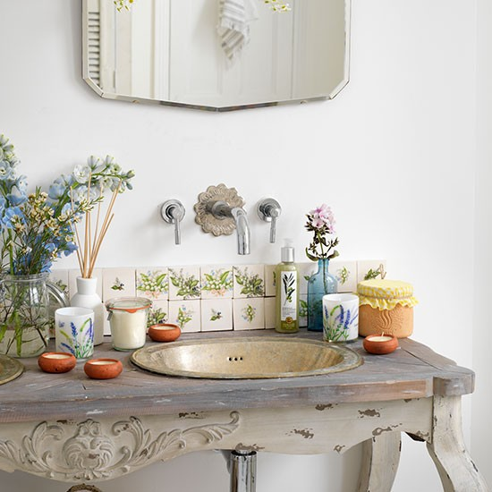 Distressed-Basin-Table-Bathroom-Country-Homes-and-Interiors-Housetohome