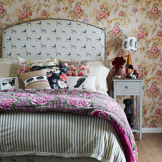 Mixed-Floral-Bedroom-Country-Homes-and-Interiors-Housetohome
