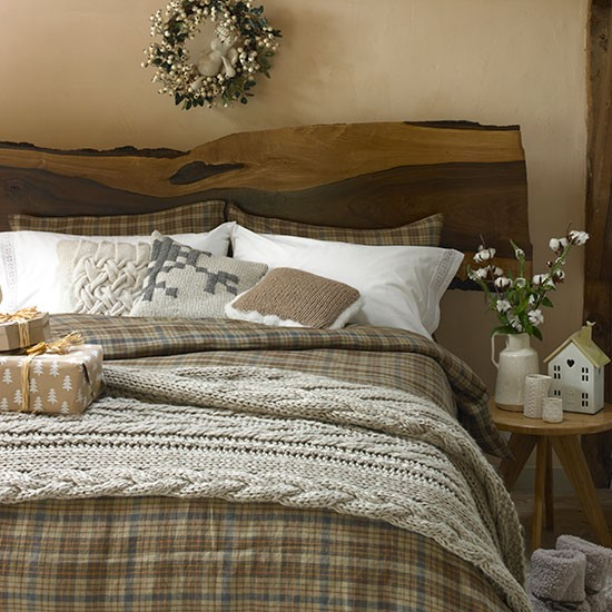Tartan-and-Chunky-Knits-Bedroom-Country-Homes-and-Interiors-Housetohome