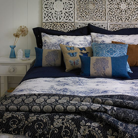 Tonal-Blue-Bedroom-Country-Homes-and-Interiors-Housetohome